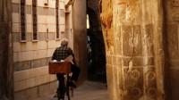 Damas pris de passion pour le vélo