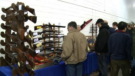 Avec des armes, la criminalité baisse…