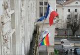 Le maire PS de Niort, adepte LGBT, au tapis