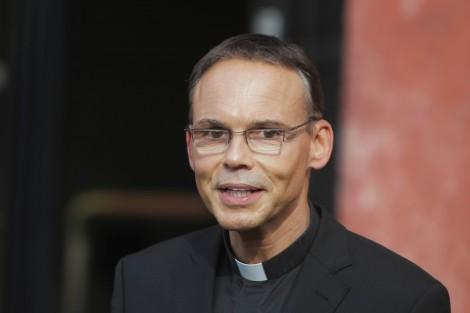 Le pape vire un évêqueallemand