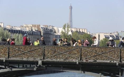 La Chine envoie sa police à Paris