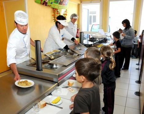 La Commission européenne dans les assiettes des écoliers