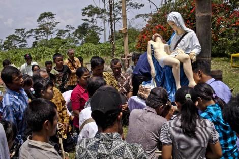 Chretiens Indonesie Maconnerie Islam
