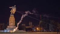 La photo : la plus grande statue de Lénine en Ukraine déboulonnée