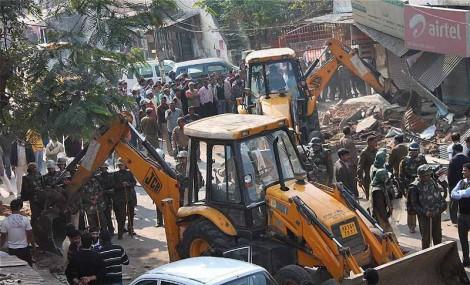 Destruction temples tibetains eglises gouvernement chinois