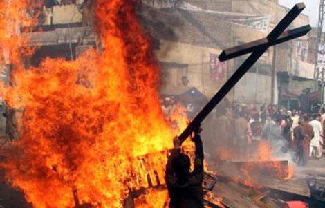 Pakistan--Chretiens-lapides-brules-blaspheme