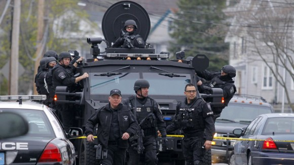 police equipement militaire