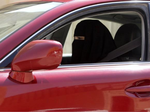 Deux femmes Arabie saoudite Conduite Voiture Terrorisme