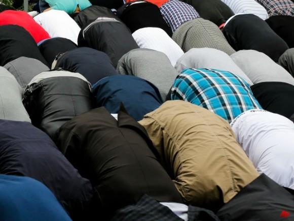 Universite – appel a la priere – musulman politiquement correct