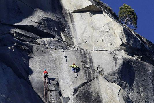 grimpeurs murs planete difficiles