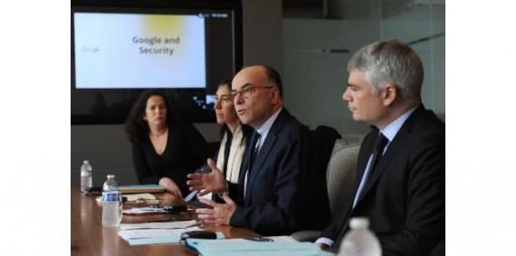 Djihadistes : Bernard Cazeneuve plaide pour la surveillance d'internet à Silicon Valley