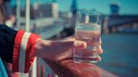 Nouvelle étude en Grande-Bretagne: la présence de fluor dans l'eau présente un danger pour la thyroïde