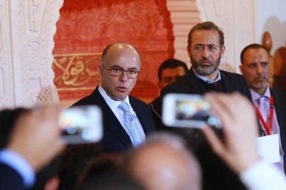 Valls Cazeneuve Republique reorganiser islam de France