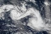 La photo: rencontre de deux cyclones dans l'océan indien