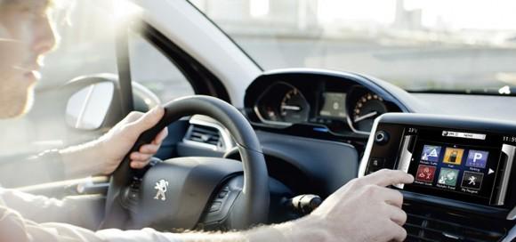 voitures connectees vie privee protection constructeurs automobiles conducteurs