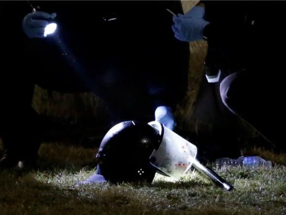 Ferguson arrestation suspect deux policiers blesses par balles