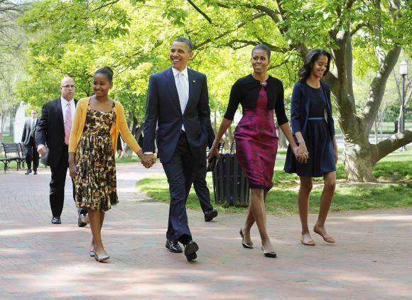 prix des transports empruntes par la famille obama. Black Bedroom Furniture Sets. Home Design Ideas