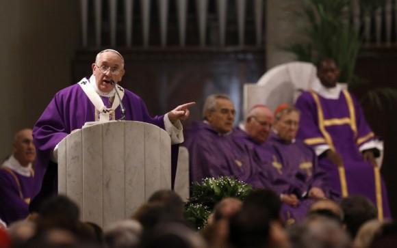 pape Francois revenir en arriere reforme liturgique messe vernaculaire 1