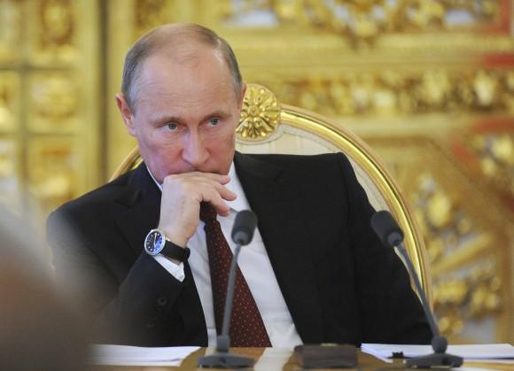 publier secrets financiers Poutine Royaume-Uni ministre Affaires étrangères Hammond