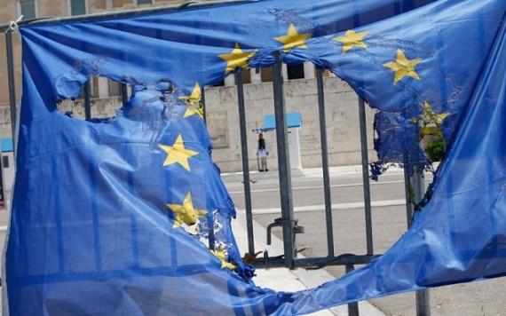 Banque centrale européenne secours Grèce BCE accorde nouveaux crédits