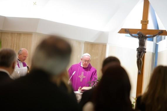 nombre exorcismes Explosion pape Francois parle diable