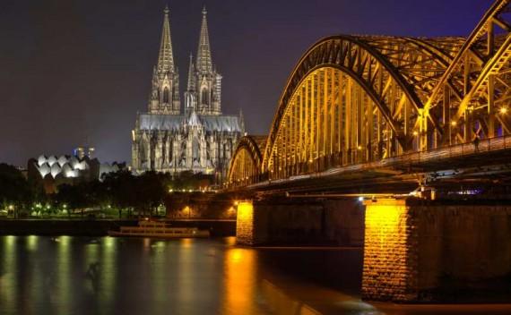 Allemagne évêques catholiques modifient droit travail homosexuels divorcés remariés