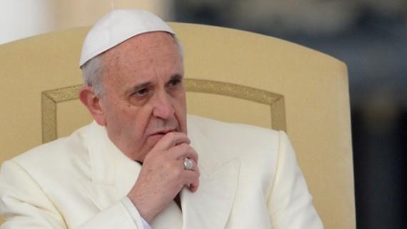 Le Pape François crée un tribunal pour juger les évêques qui ont «couvert» des prêtres pédophiles
