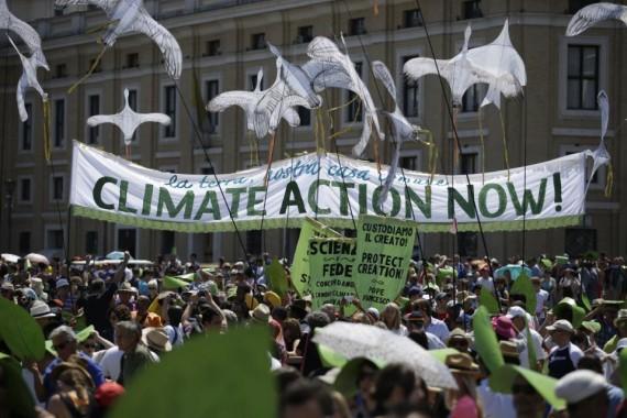 Rome: le pape François salue une manifestation interreligieuse contre le réchauffement climatique