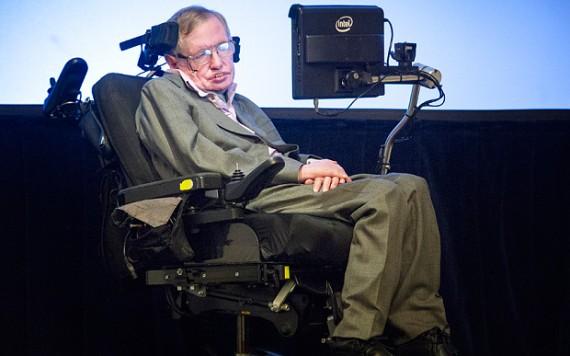 Stephen Hawking envisagerait le suicide assisté s'il devait devenir un fardeau