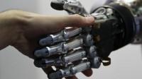 Transhumanisme : Ray Kurzweil prédit que les humains seront des cyborgs dès 2030