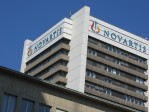 «Au-delà du médicament»: Novartis veut associer puces et molécules. Surveillance?