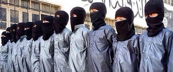 Daech enfants recrutés Etat islamique décapitent poupées camps entraînement Syrie