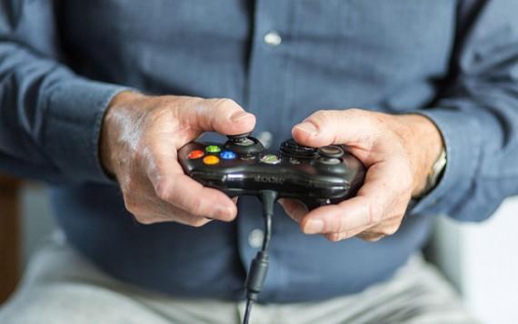 services sociaux britanniques placent enfant parents jeux vidéo Dolhein