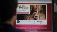 Deux suicides après le piratage des profils du site de rencontres extra-conjugales, Ashley Madison