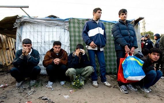 Bureaucratie chômage logement France attire réfugiés