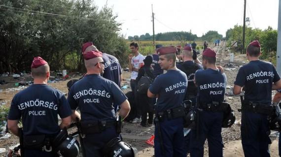 Orban raison garder contrôle frontière Serbie clôture adaptée phrase
