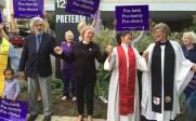 A Cleveland, dans l'Ohio, des pasteurs participent à la bénédiction d'une clinique d'avortement