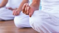 L'exorciste Luis Escobar: le diable agit à travers le yoga, l'occultisme, la méditation transcendantale…