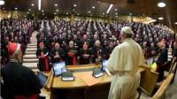 Le synode fonctionne-t-il comme une assemblée soviétoïde?