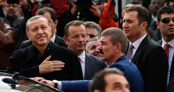 Elections Turquie victoire AKP Erdogan majorité absolue Parlement