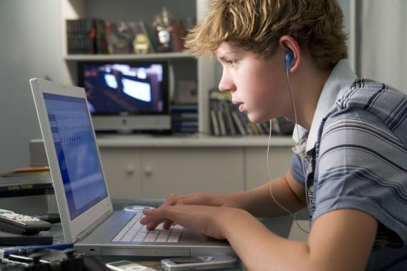 Aux Etats-Unis les «teenagers» passent 9 heures par jour sur leurs écrans multimédia