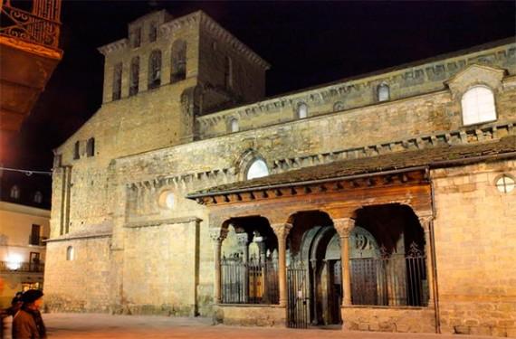 Laïcité Podemos exproprier cathédrale Jaca Espagne Dolhein