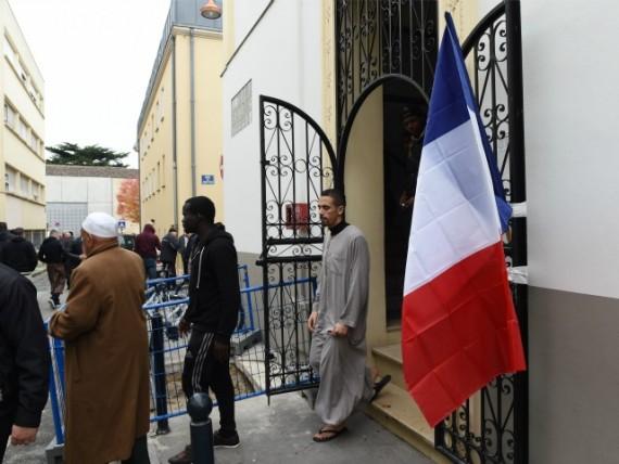 Bernard Cazeneuve islam éclairé réforme Etat islamique