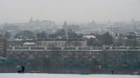 Le smog au-dessus de Cracovie dû à la pollution au charbon.