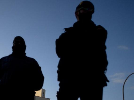Cologne armes auto défense milices