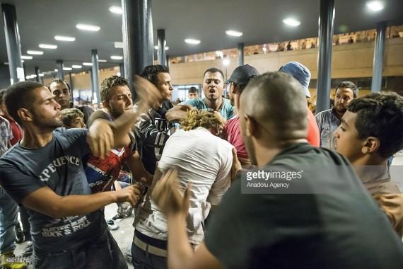 Rapport police migrants nouvel Cologne agressions sexuelles