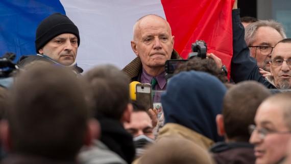 Général Piquemal Etat Antifrance Calais