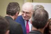Le commissaire européen à l'Agriculture Phil Hogan à la rencontre des agriculteurs