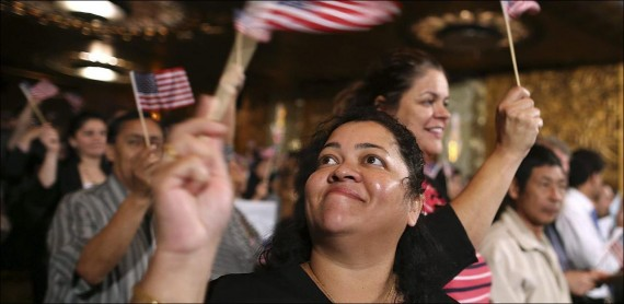 Etats Unis naturalisation Latinos Trump