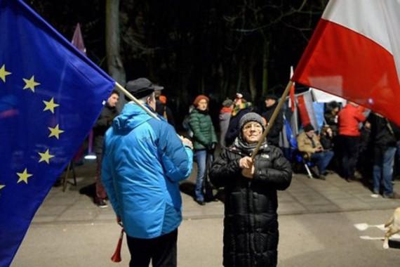 Pologne refuse publier décision Tribunal constitutionnel réforme